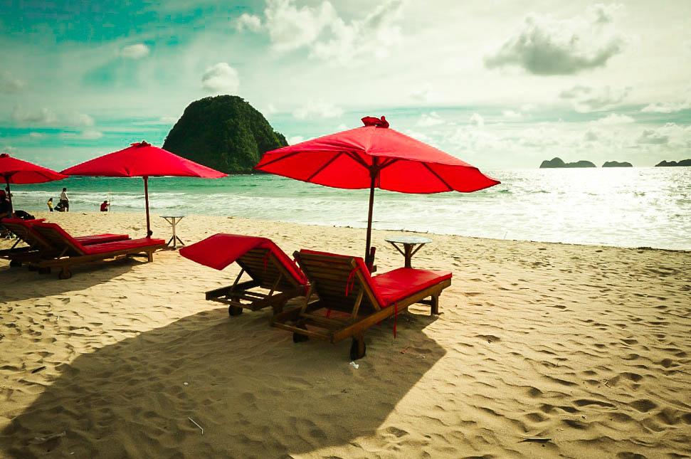 Pantai Pulau Merah: Pantai Kuta Bali Memiliki Saingan